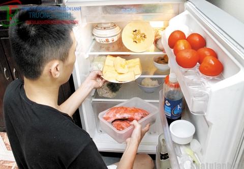 Để tránh ngộ độc với thức ăn ngay trong tủ lạnh